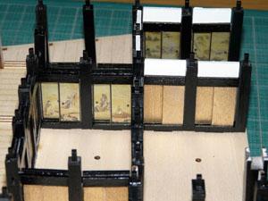 「安土城をつくる」 一階の襖と鴨居を組み立てる
