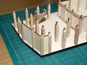 「週刊安土城をつくる」 外壁用の柱を立てる
