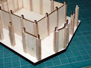 「週刊安土城をつくる」 外壁部の柱を立てる