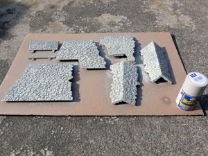 「週刊安土城をつくる」 石垣を塗装する