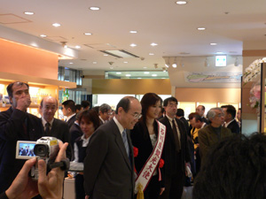 谷本知事と観光大使