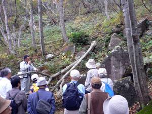 キゴ山石切り場を歩く