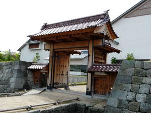 福井城 舎人門