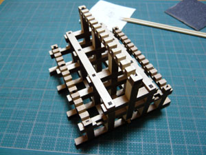 「安土城をつくる」 六階の小屋組みをつくる