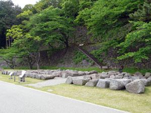 金沢城いもり堀 鯉喉櫓がいよいよ
