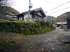 新庄松屋の道標 福井県美浜町