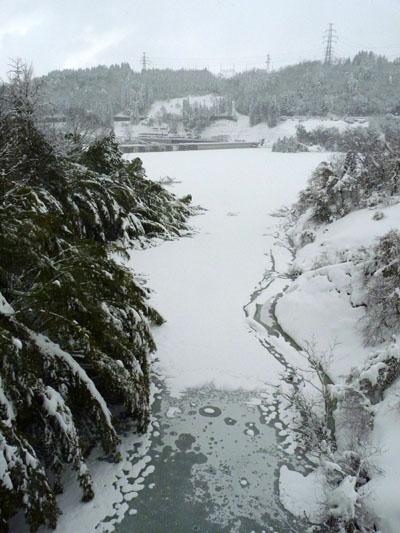 辰巳ダム満水