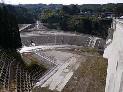 辰巳ダム竣工