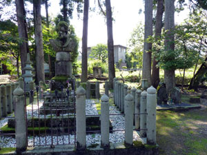 朝倉義景公墓