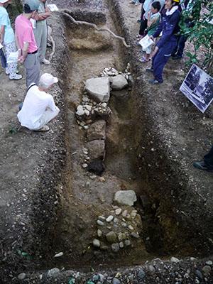 高岡城跡発掘調査現地説明会